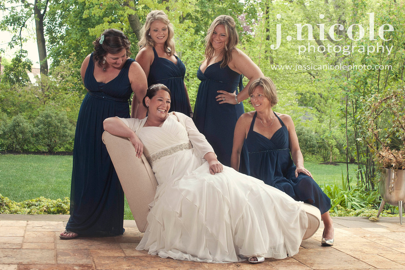 The bride and her bridesmaids, and of course Jen with a giant smile!